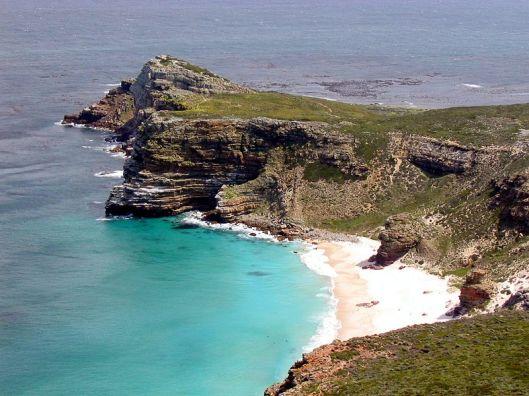 """überarbeitete Version des Bildes von Octavian78 """"Blick auf das Kap Der Guten Hoffnung (von Cape Point aus) Diese Aufnahme wurde von mir, Matthias Kniese, am 04.10.2003 gemacht und ist gemeinfrei. Bildquelle: Wikipedia"""